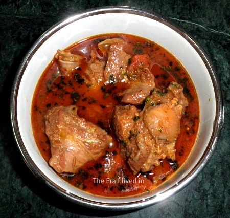 The best, time-tested mutton rogan josh recipe that's simple to make and wins hearts in every bite. Read the step by step recipe on the blog. #theerailivedin #MuttonRoganJosh #MuttonRecipes #HomemadeMuttonRoganJosh #IndianRecipes